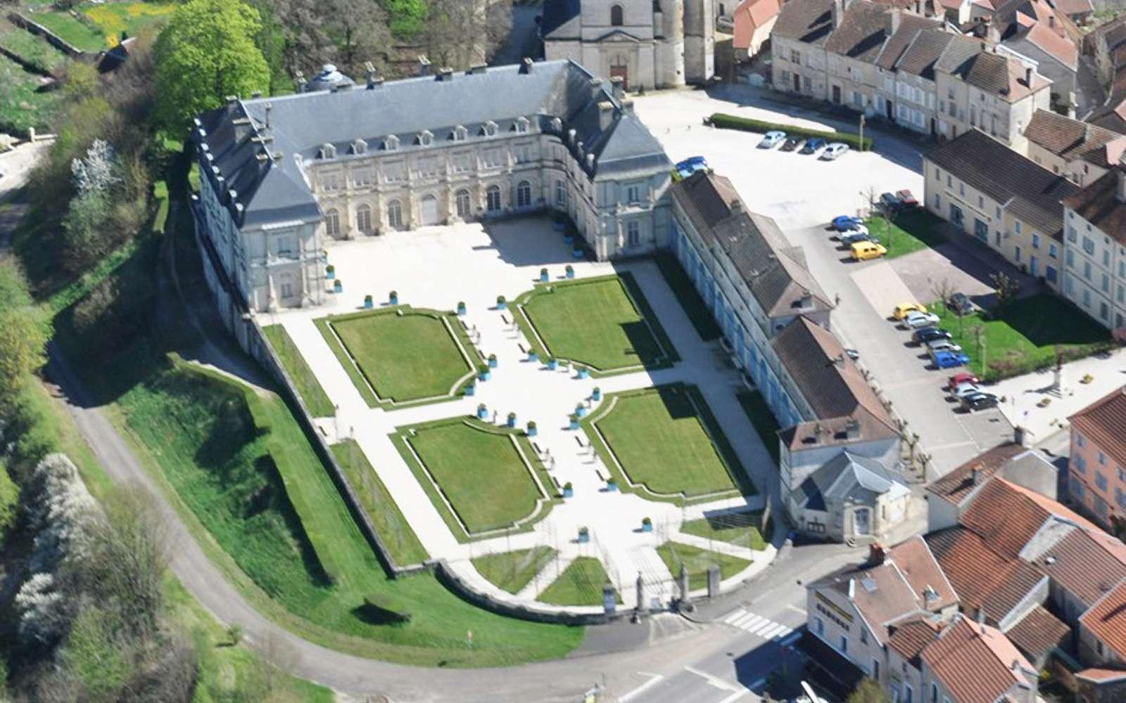 Chateau De Champlitte Vu Du