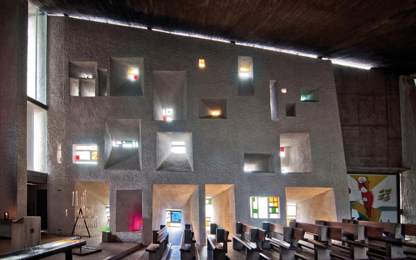 Ronchamp-chapelle-intérieur